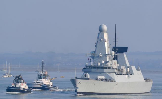 Русия съобщи за предупредителна стрелба по британски разрушител в Черно море