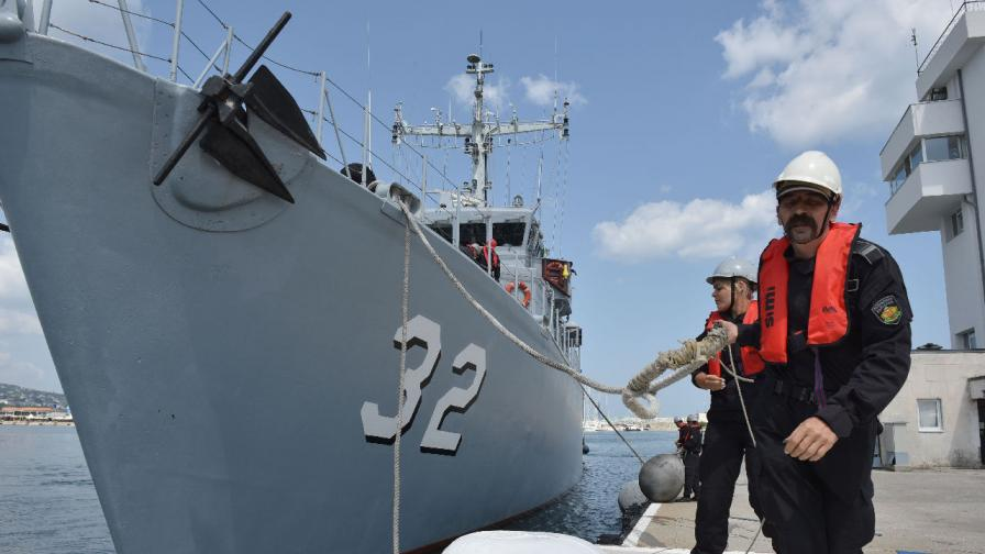 Черната кутия на падналия в Черно море изтребител МиГ-29, при която загина военният пилот Валентин Терзиев, е намерена и извадена на борда на кораб