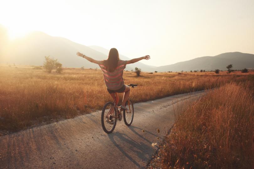 <p><strong>Телец</strong></p>  <p>През юли Телецът ще изпита всички радости от успешното самоусъвършенстване. Това ще бъде идеалният момент да поработите върху себе си, и то в няколко посоки едновременно. Ще имате желание да станете по-добри в определен бизнес и ще можете да развиете своите професионални умения.</p>