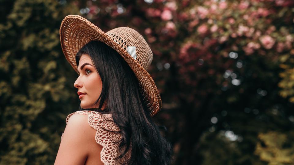 жена пролет лято дневен хороскоп дървета природа