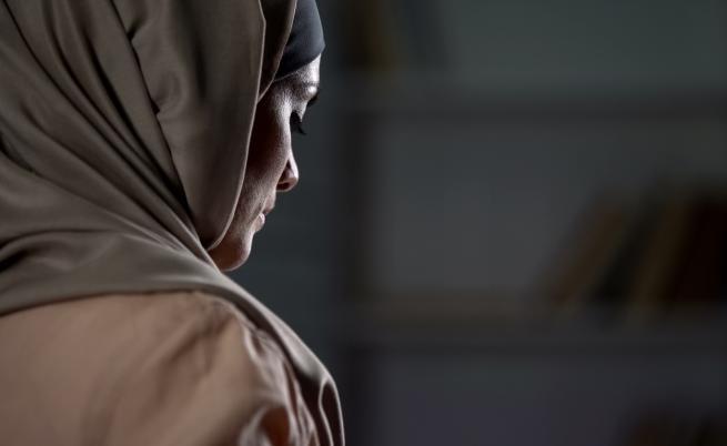Докато талибаните напредват, жени се опасяват от връщане на