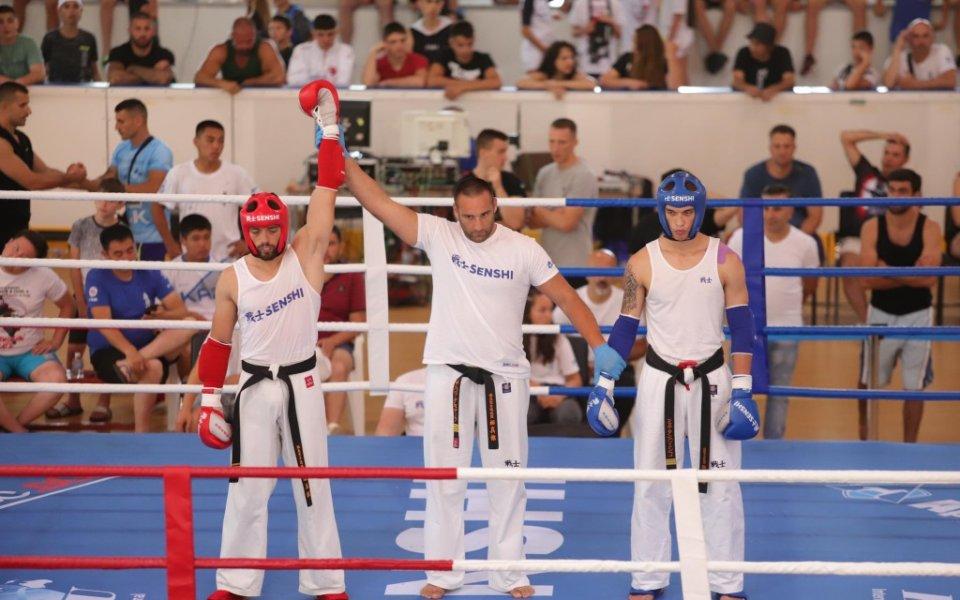 Двама българи ще излязат утре в надпревара за първите Европейски