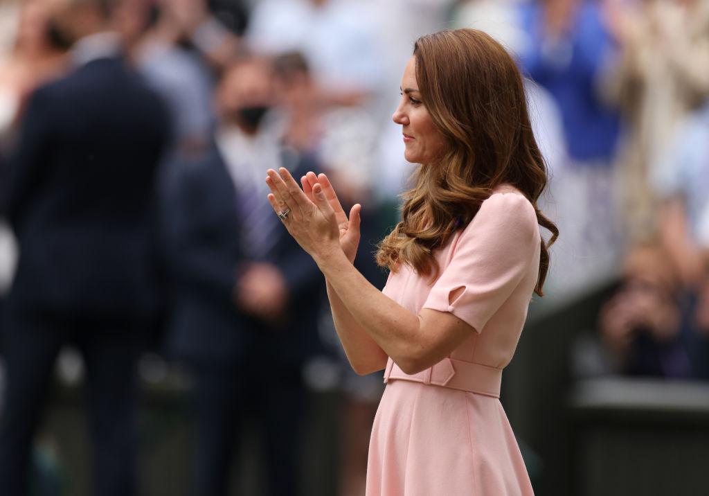 <p>Херцогиня Катрин на финала за мъже на Уимбълдън</p>