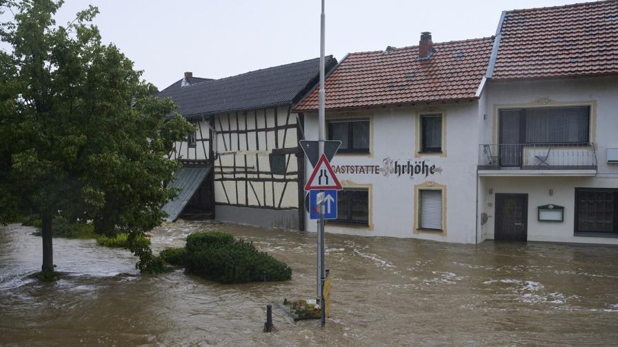 Нарасна броят на жертвите на наводненията в Германия