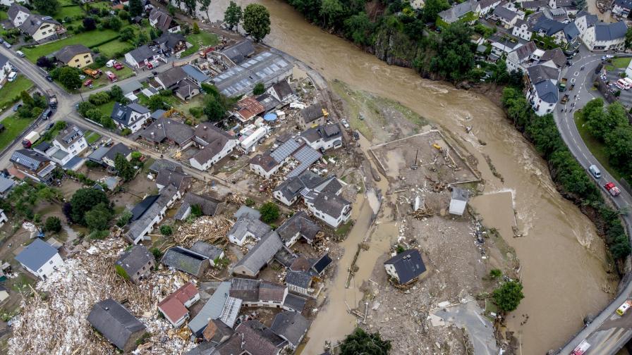 """""""Страданието няма край"""", расте броят на жертвите на наводненията в Западна Европа"""