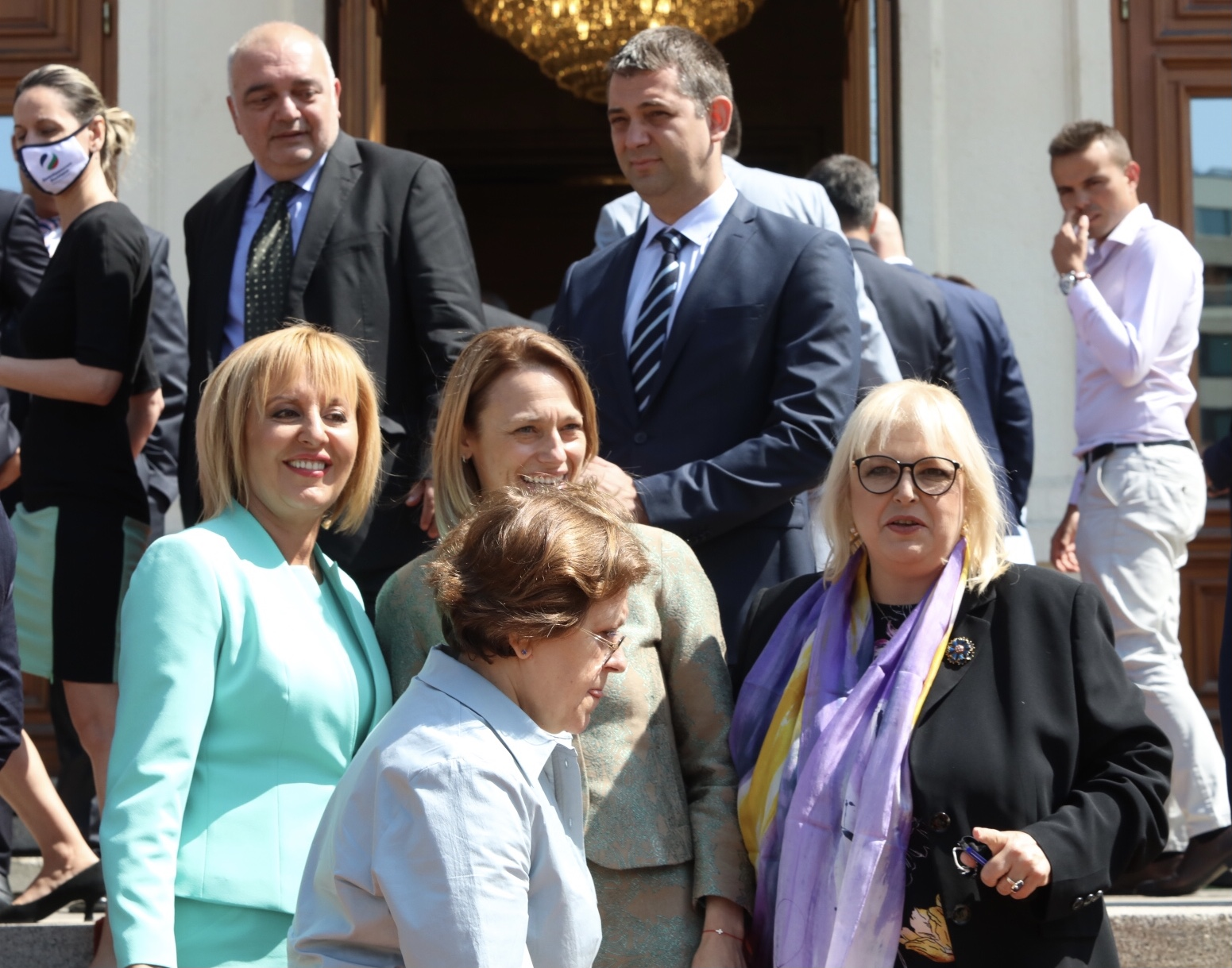 <p>Депутатите от 46-ото НС си направиха обща снимка без ГЕРБ</p>