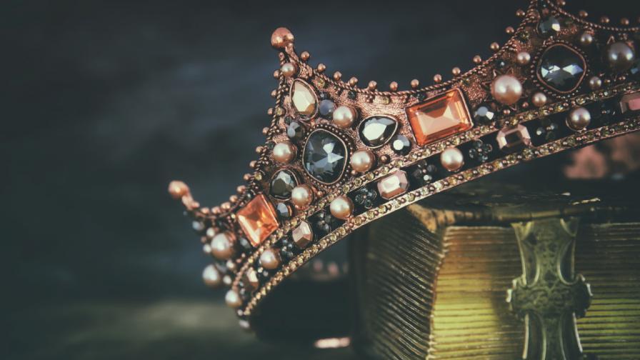 <p>7 монарси, които царуват абсурдно кратко</p>