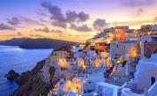 """Напрегнато """"лято на търпението"""" за гръцкия туризъм"""