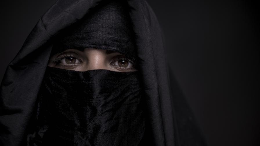 12-годишни сексуални робини: трагедията на хиляди язидки