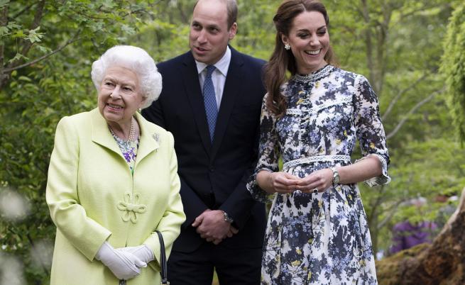 Лукс и спокойствие: Лятото на европейските кралски семейства