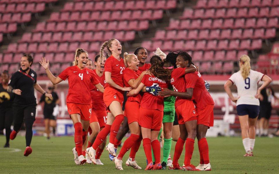 Канада поднесе най-голямата изненада на футболния турнир за жени на