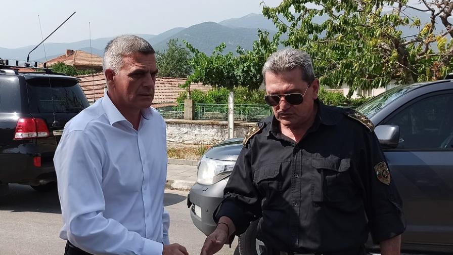 Янев обеща помощ след пожара в Старосел