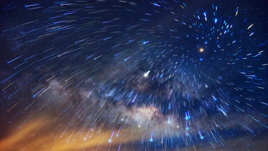 Небесно шоу: Предстои пикът на метеорния поток Персеиди