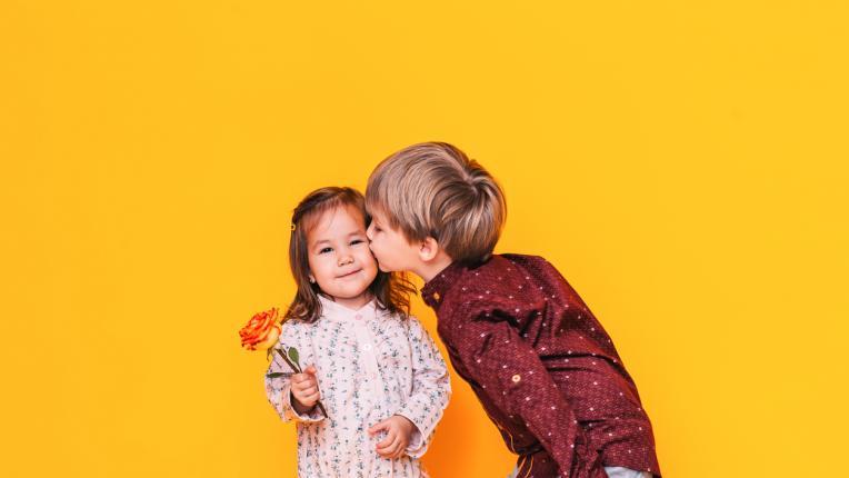 6 доказателства, че мъжете, които имат сестри, са по-добри от останалите