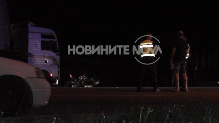 <p>Два мотора се врязаха в ТИР във Враца,&nbsp;има жертва</p>