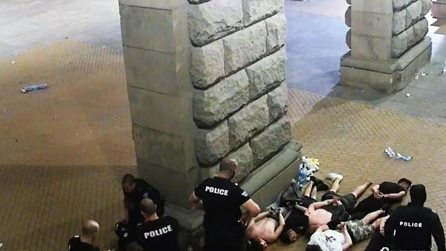 Евродепутати ще разследват полицейското насилие срещу протестиращите