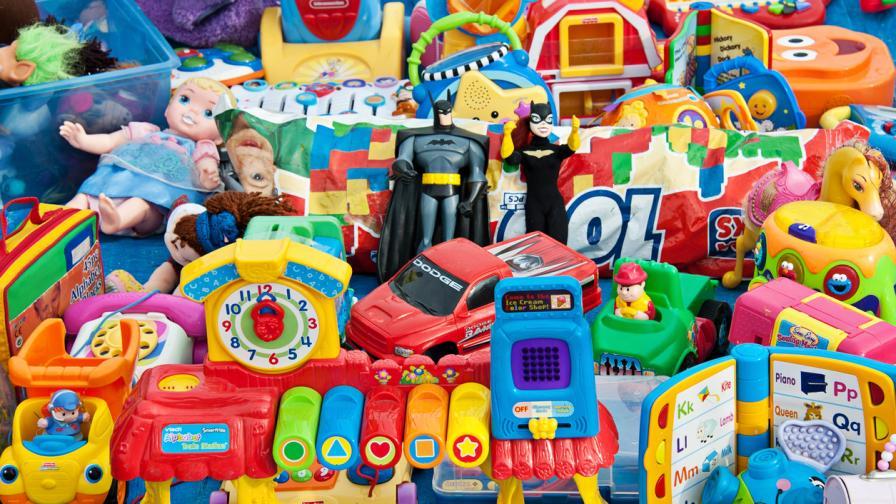 На Острова: Поръчвайте отсега играчки за Коледа