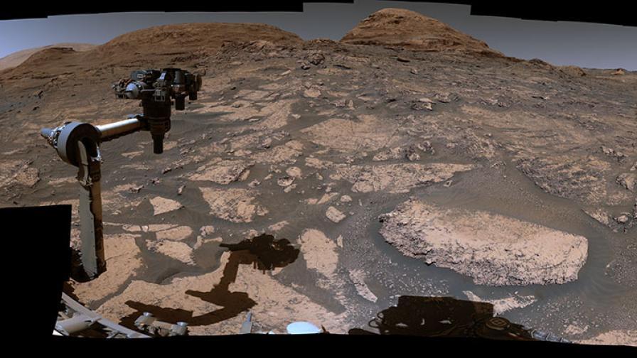 Марсоходът Curiosity отбелязва 9 години на Марс