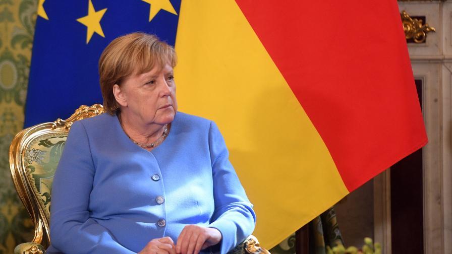 <p>(Обновена) Меркел поиска Навални да бъде освободен</p>