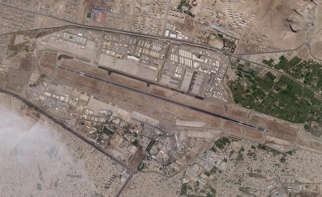 Стрелба на летището в Кабул, убит е служител по сигурността