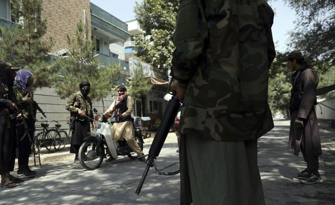 """ООН: Отношението на талибаните към жените ще бъде """"червена линия"""""""