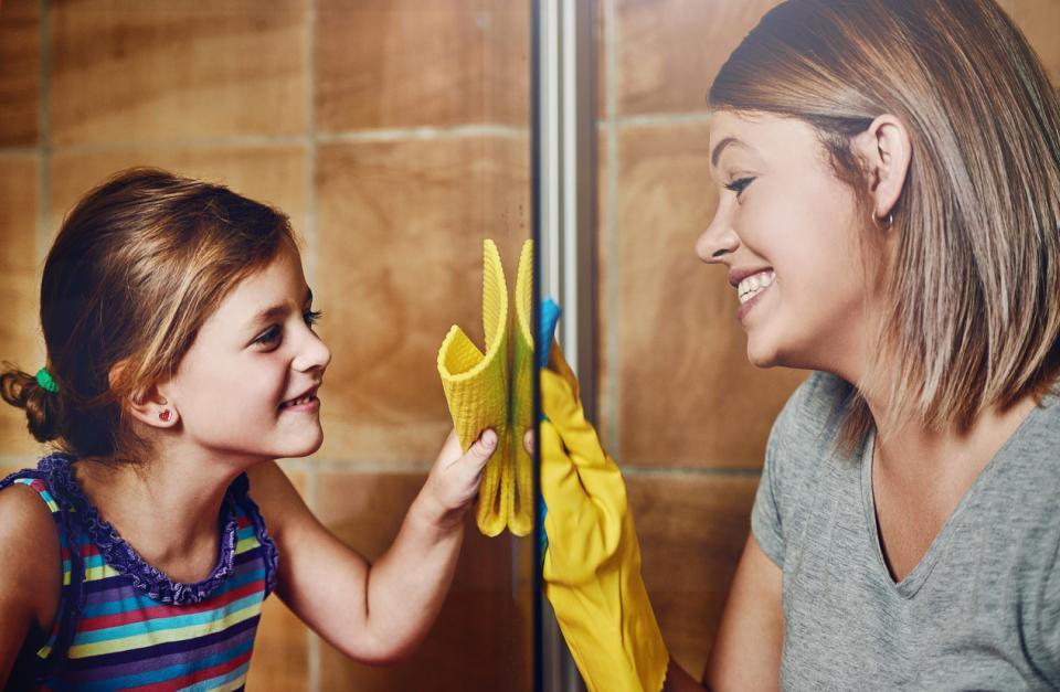 жена баня дете