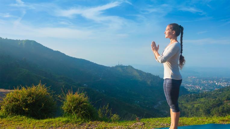 5 йога пози, ако водите заседнал начин на живот