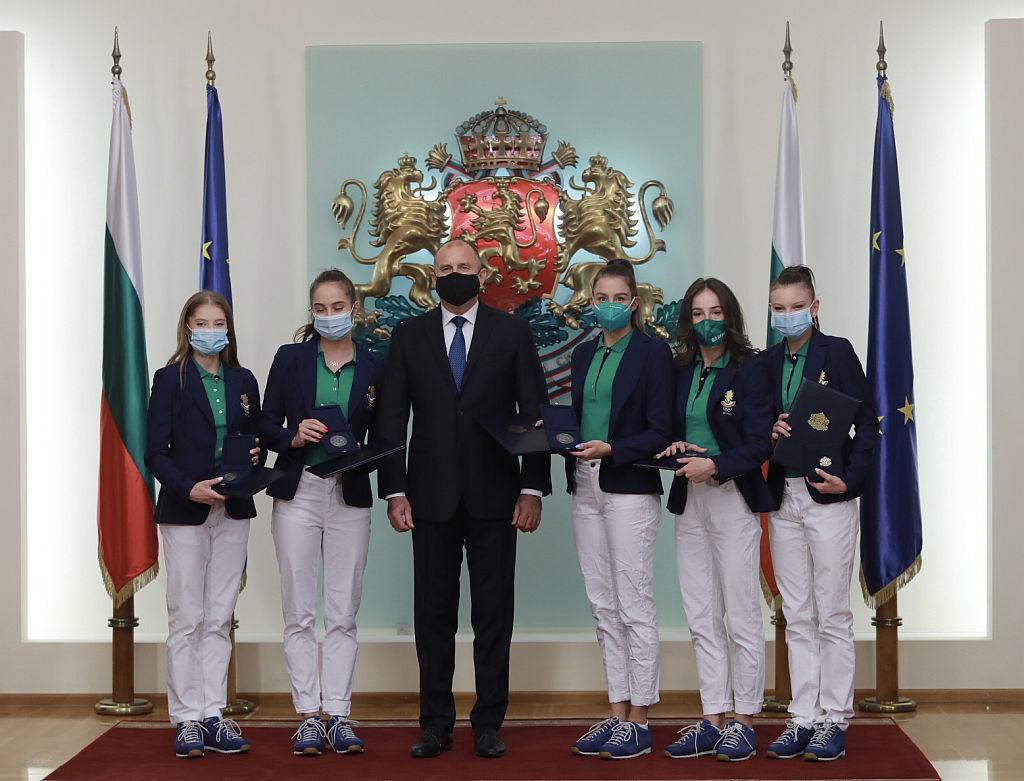<p>Президентът Румен Радев награди българските олимпийци, които завоюваха медали на Летните олимпийски и параолимпийски игри в Токио</p>