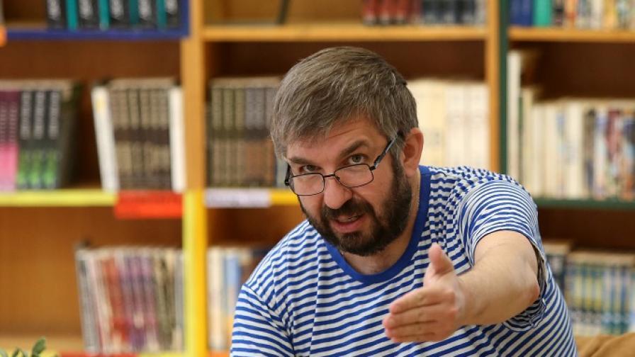Почина поетът и журналист Марин Бодаков