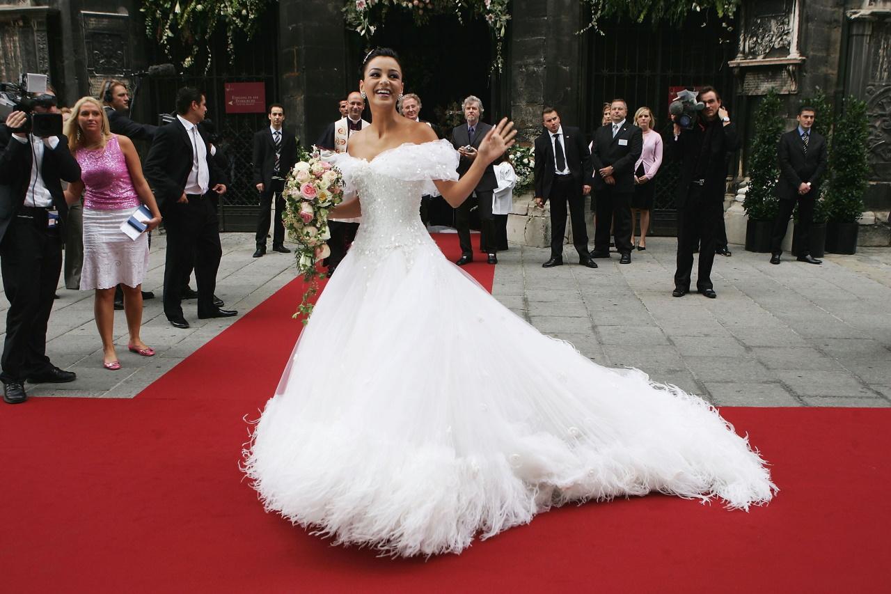 <p>&bdquo;Не бих ви препоръчал моя рокля за сватбата ви &ndash; всички се разведоха&ldquo;.</p>