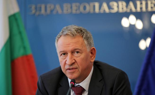 Кацаров: Все още няма решение за бустерна доза на COVID ваксината