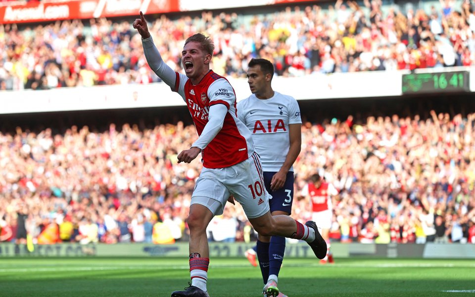 Отборите на Арсенал иТотнъм играят при резулатт