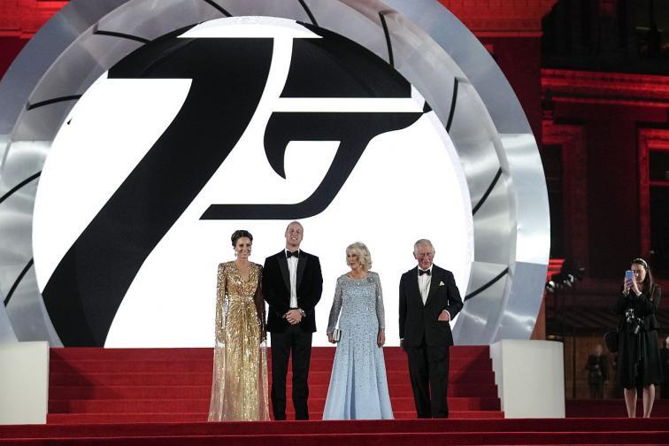 Джеймс Бонд Даниел Крейг агент 007