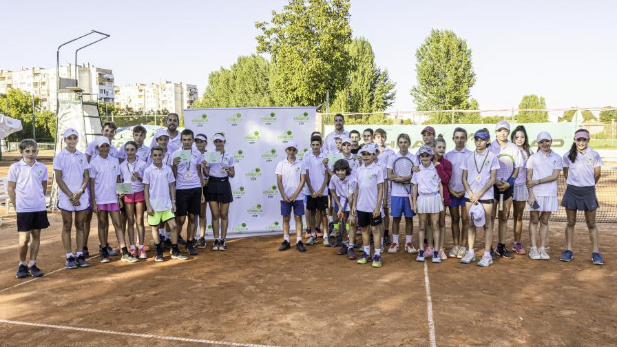 Отбор Федерер е шампионът в детския тенис турнир Stamatin Kids Cup