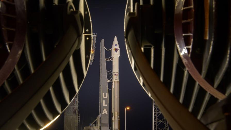 """НАСА изпрати """"Луси"""" на 12-годишна мисия"""