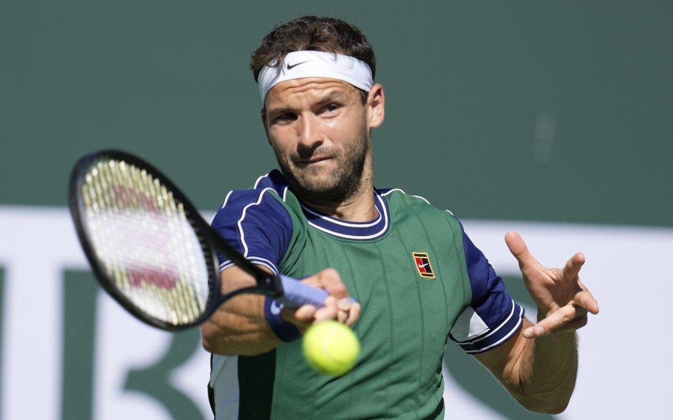 Най-добрият български тенисист Григор Димитров играе при резултат 2:6, 3:4срещу