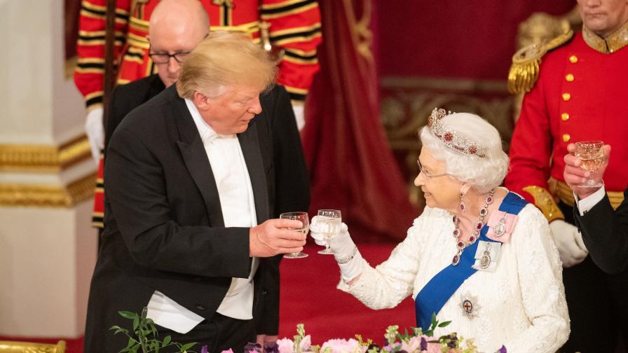 Грандиозни кралски банкети в Бъкингамския...