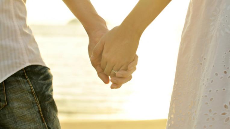 любов любовници мъж жена нежност изгрев залез