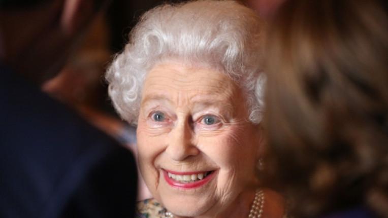 кралица Елизабет II мания сериали телевизия награда Бафта принос Мини