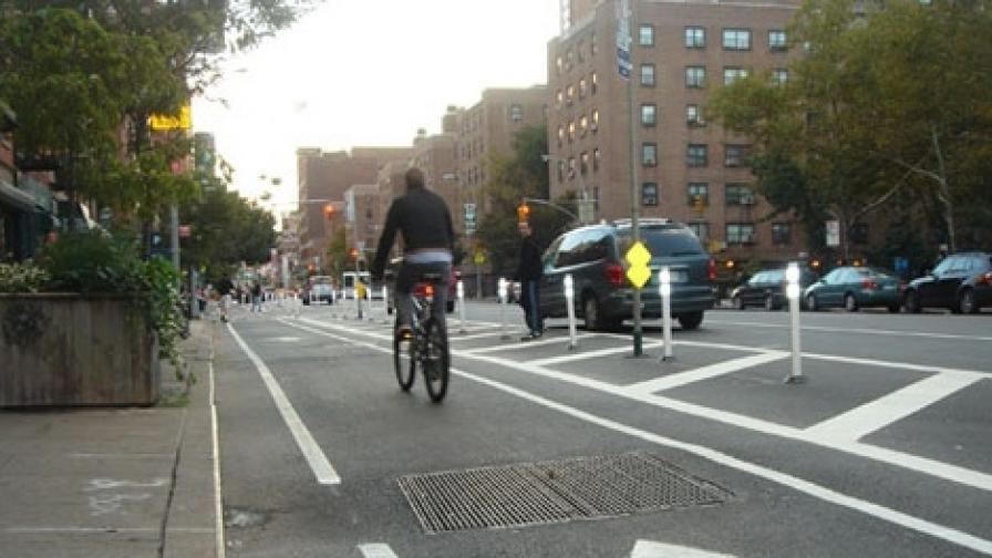 Велосипедисти искат дистанция при изпреварване