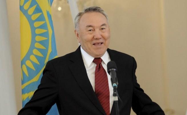 Президентът на Казахстан подаде оставка след 30 г. на власт