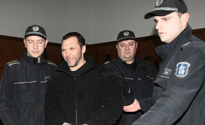 Арестувани са четирима приближени на Златко Баретата