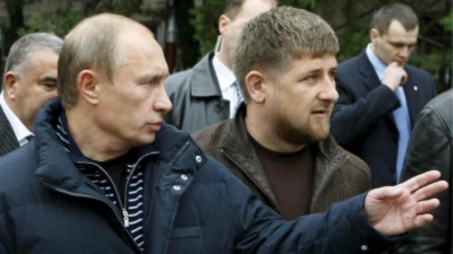 Руският премиер Владимир Путин и президентът на Чечения Рамзан Кадиров - снимка от окомври 2008 г.