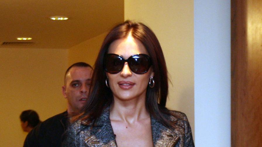 През декември 2007 г. Цеца Величкович гостува в София