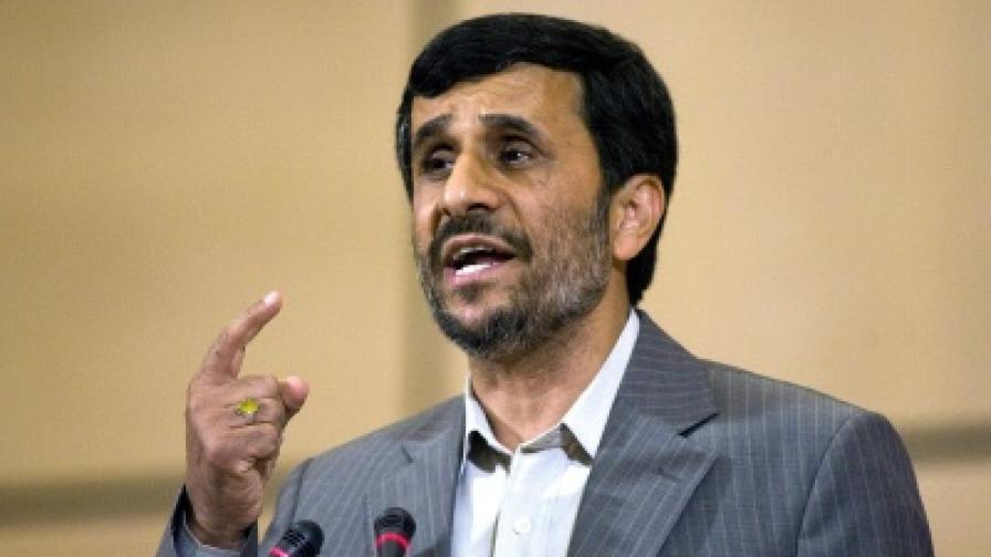 Президентът на Иран Ахмадинеджад произнася провокативната си реч в Женева