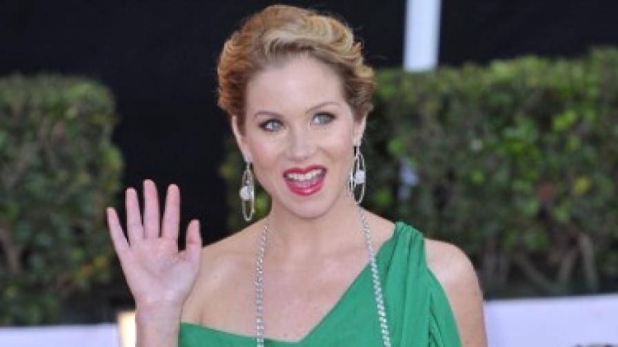 Кристина Апългейт пристига на наградите на актьорската гилдия в началото на годината