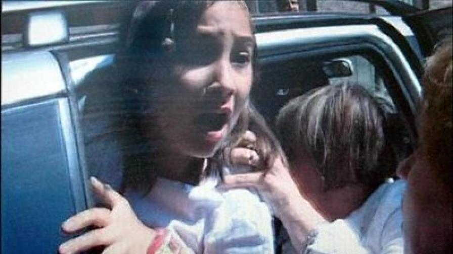 Майката на Николета Барбара Ядвигд я натиска да влезе в дипломатическата кола