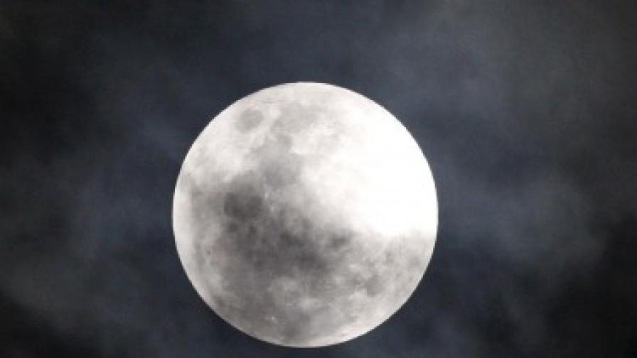 Китай ще има база на Луната до 2030 г.