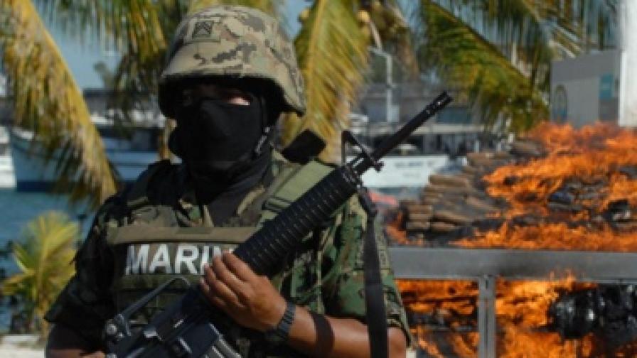 Мексико: 93-ма полицаи под домашен арест