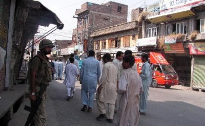 Талибани обучават тийнейджъри за атентатори самоубийци
